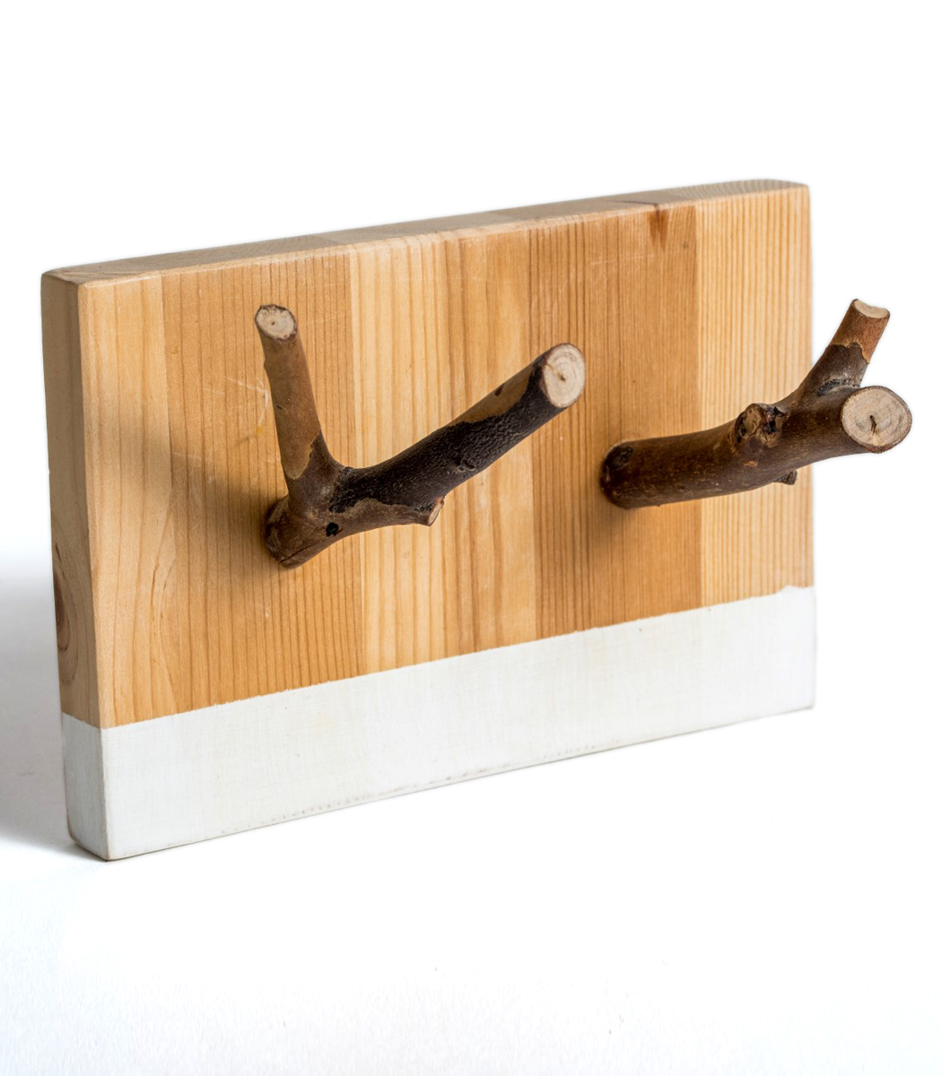 wood double hook rack with vinyl white base