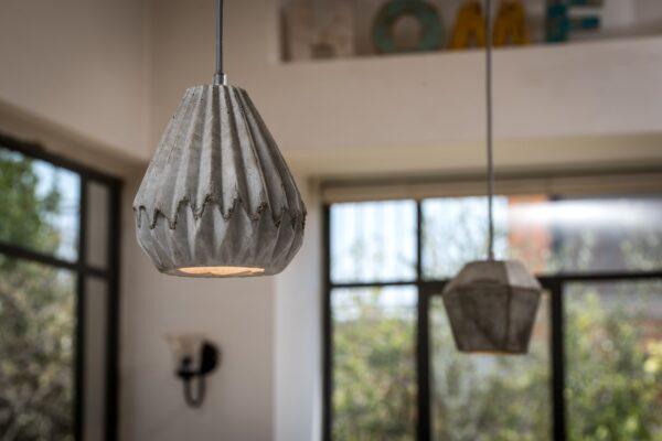 מנורות בטון